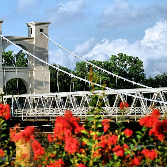 Waco_Suspension_Bridge_in_Waco,_Texas